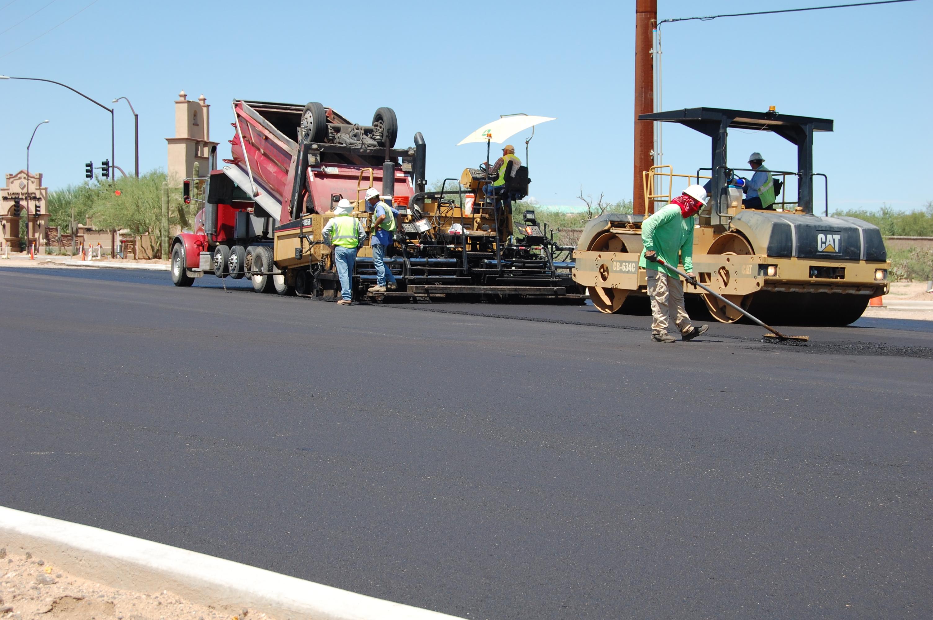 asphalt paving machine